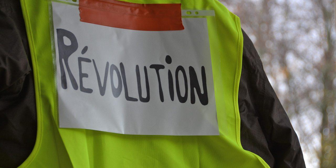Gilets jaunes : les manifestations doivent-elles s'arrêter ?